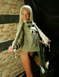 Sarah flower power little blond teen girl