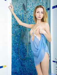 Nubiles.net Giselle - Playful babe gets her pussy wet in the shower